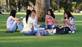 East Asian friends photographed by Fernando de Sousa in 2006.jpg
